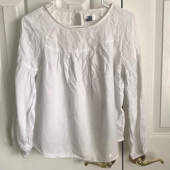 Old Navy Tops - Super cute peasant blouse
